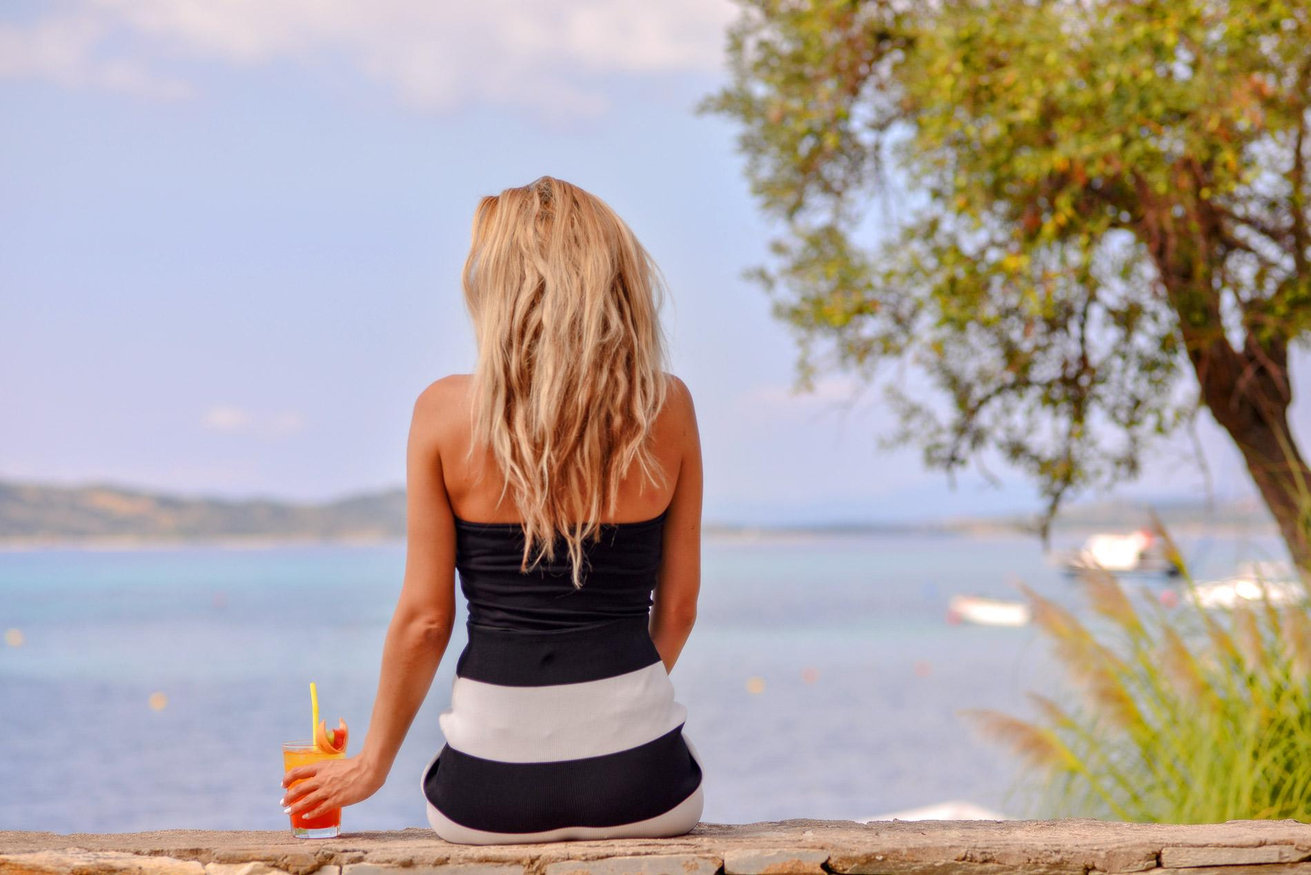 Xenia-Girl-Drink-Sea-View