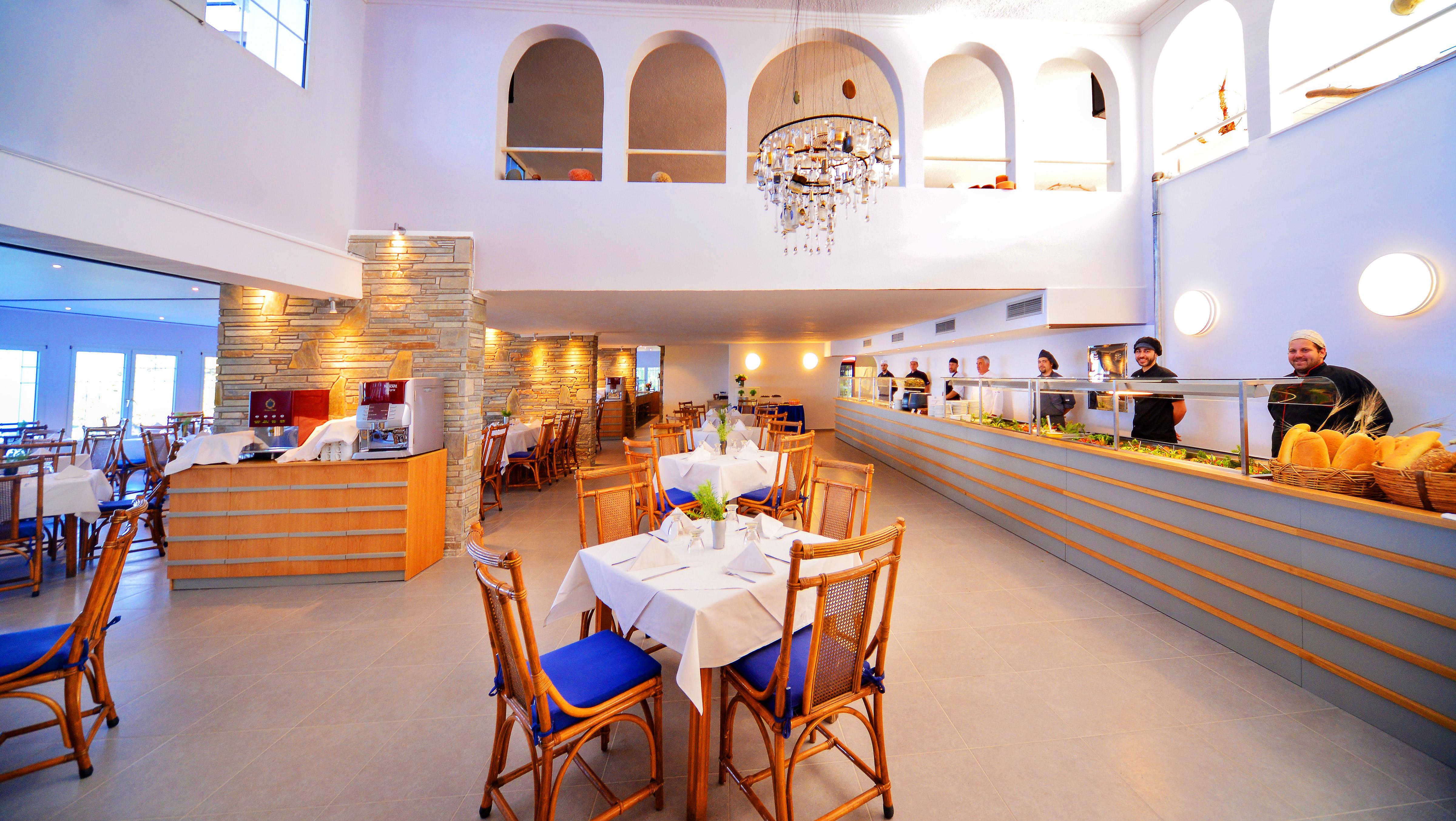 Roxani-Restaurant-Buffet-11