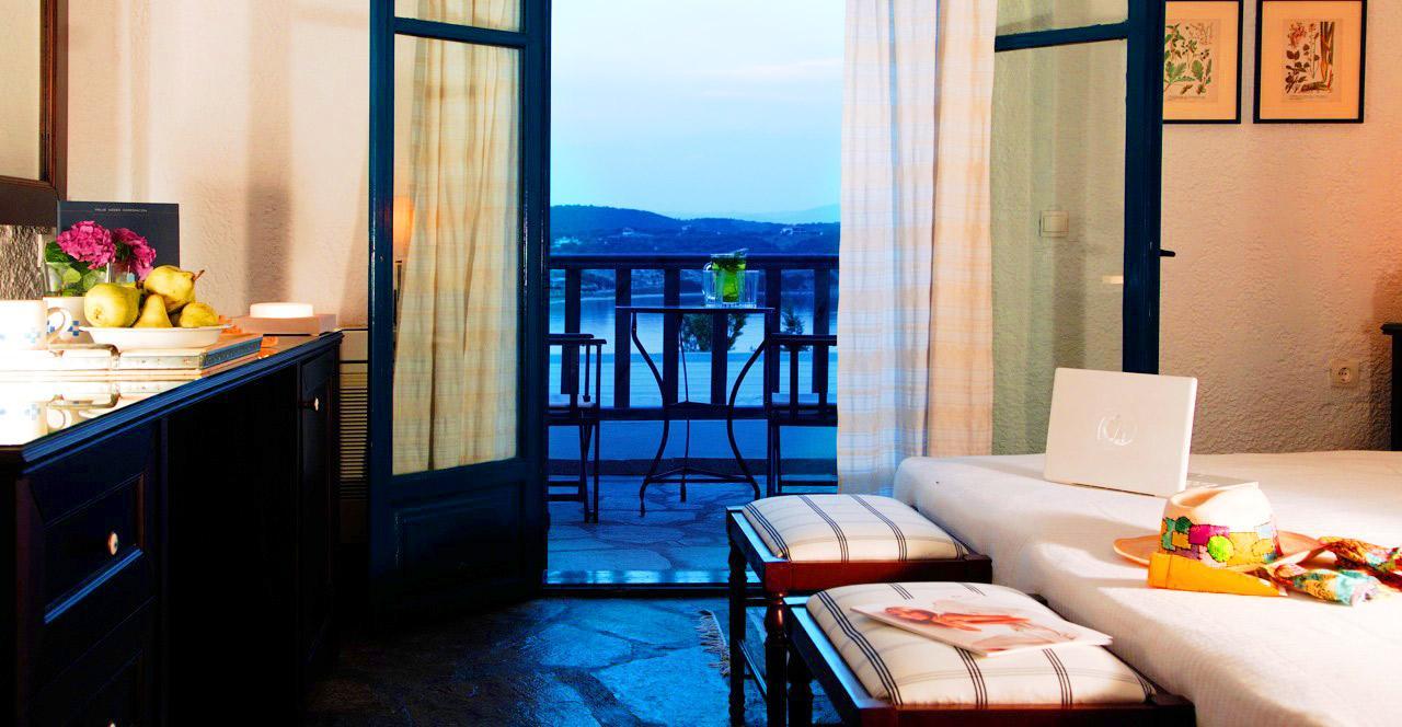 agionissi-room-balcony